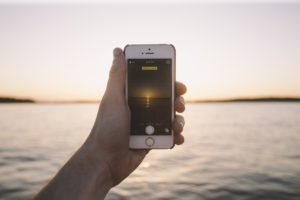 Sicherheit auf dem Smartphone ist bei einer Auslandsreise wichtig.