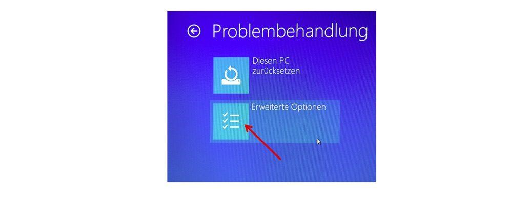 """Fahren Sie mit einem Klick auf """"Erweiterte Optionen"""" fort.(Screenshot Windows 10)"""