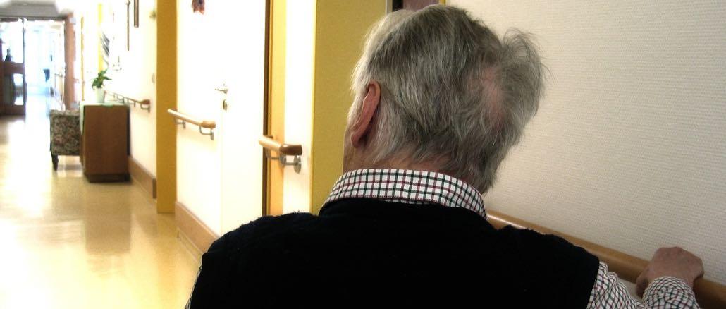 Senioren Pflege Symbolbild