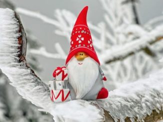 Weihnachtsmann Winter Symbolbild