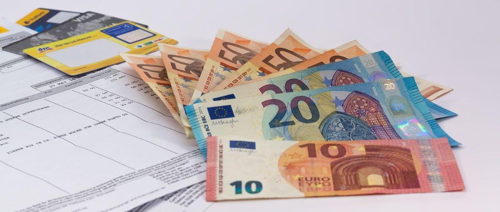 Symbolbild Geld Rechnung