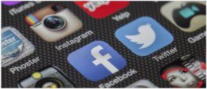 Symbolbild Facebook Instagram Twitter Soziale Netzwerke