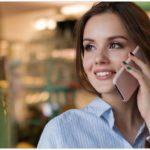 Symbolbild Frau Telefon Handy Telefonieren
