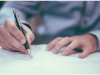 Symbolbild Vertrag Unterschrift