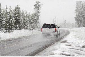 Tipps vom ADAC: Das sollten Autofahrer bei Schnee und Eis im Winter beachten