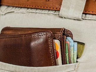 Portemonnaie Geld Hose Taschendieb Symbolbild