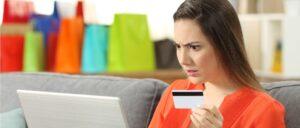 Onlineshop Einkauf Erschrocken Symbolbild