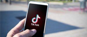 TikTok Smartphone Symbolbild