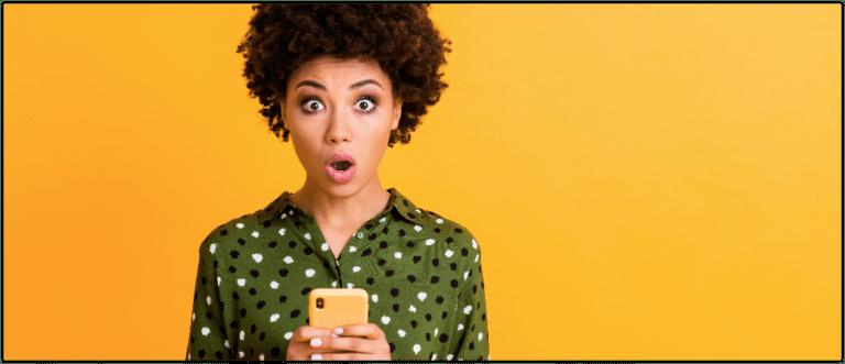 Erschrocken, Smartphone, Onlineshop, Fakeshop